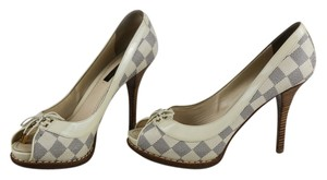 Louis Vuitton Peep Toe Leather Pump Ivory / Blue Pumps