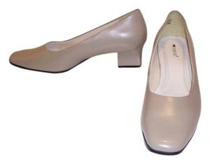 I Love Comfort beige Pumps