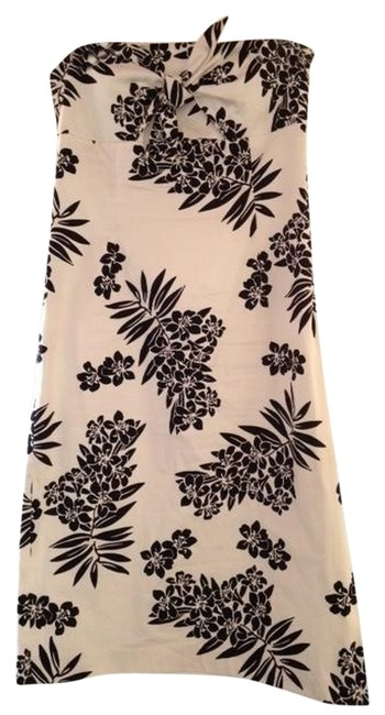 Preload https://item5.tradesy.com/images/willi-smith-white-with-black-flowers-knee-length-cocktail-dress-size-6-s-982059-0-0.jpg?width=400&height=650