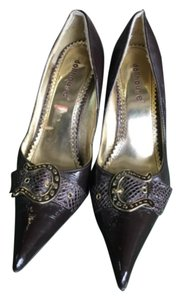 Dollhouse Brown gold accent Pumps