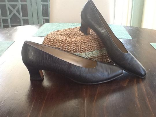 Salvatore Ferragamo Crocodile Embossed Narrow Aaaa Elegant Classic Stunning High End Quality Made In Italy Leather Upper Leather Sole Black Pumps