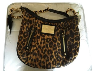 Betseyville Zipper Shoulder Bag