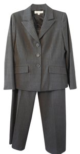 Suit Studio New York Classic Pin-Striped Suit in Grey