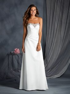 Alfred Angelo Ivory / Silver 2554 Feminine Wedding Dress Size 14 (L)