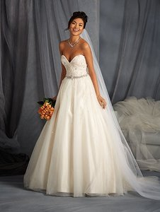 Alfred Angelo 2573 Wedding Dress