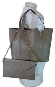 Furla Tote in Taupe