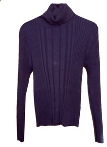 Carolyn Taylor Stretches Sweater