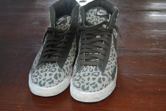 Nike Funky High Top Leopard Green Athletic