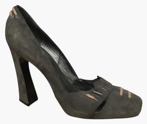 Donna Karan Grey Pumps