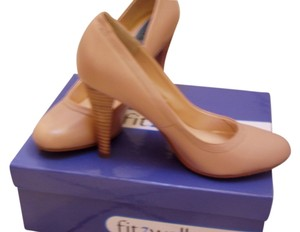 Fitzwell Nude Pumps