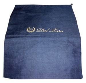 Del Toro New Del Toro Navy Blue Sleeper/ Dust Bag with Gold Logo!!! Size: 12 inch width 16 inch Length Material: Cotton This is a draw string bag,
