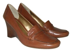 Bandolino Professional Wedge Pump Camel Wedges