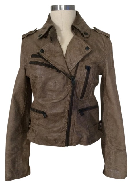Preload https://img-static.tradesy.com/item/984153/brown-leather-jacket-size-6-s-0-0-650-650.jpg