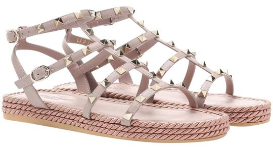 Preload https://img-static.tradesy.com/item/9843391/valentino-nude-classic-rockstud-embellished-cage-torchon-30mm-espadrille-flat-leather-sandals-size-e-0-1-540-540.jpg