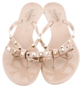 37979a07ef73b2 Valentino Tan Nude Jelly Rubber Thong Flat Hardware Embellished Textured 41  11 New Bow Rockstud Studded