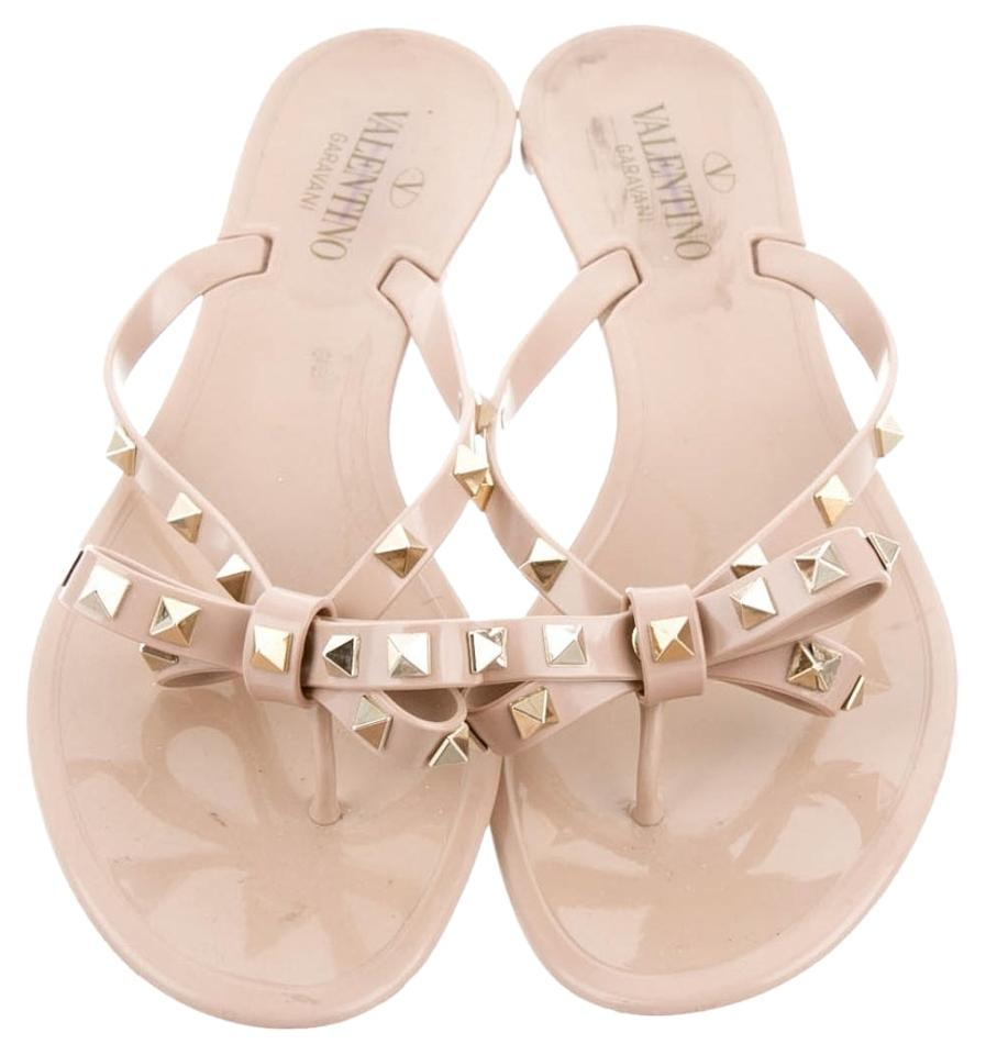 d16ce718b52 Valentino Beige Gold Nude Jelly Rockstud Bow 41 Sandals Size US 11 Regular  (M, B)
