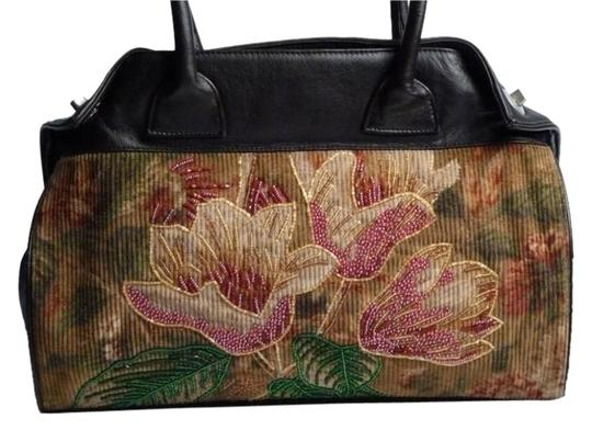 Preload https://img-static.tradesy.com/item/9844576/beaded-fall-floral-corduroy-and-leather-satchel-0-2-540-540.jpg