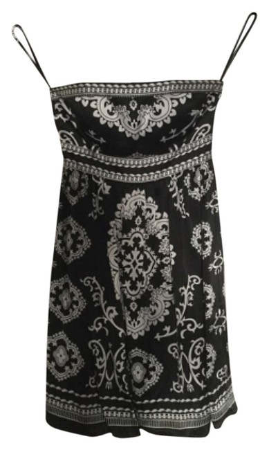 Preload https://img-static.tradesy.com/item/9848038/white-house-black-market-and-mid-length-cocktail-dress-size-2-xs-0-1-650-650.jpg