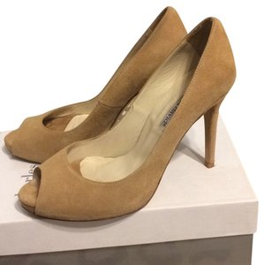 Charles David Beige/Camel Pumps