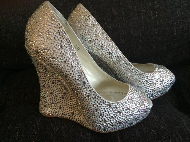 Item - Crystal/Ivory Mila By Wedges Size US 9.5