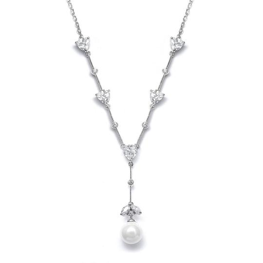 Preload https://img-static.tradesy.com/item/985274/with-pearls-and-crystals-necklace-0-0-540-540.jpg