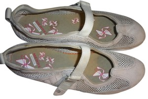 Merrell Light Gray Flats