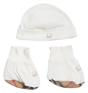 Burberry BURBERRY BABY BEANIE AND BOOTIE SET