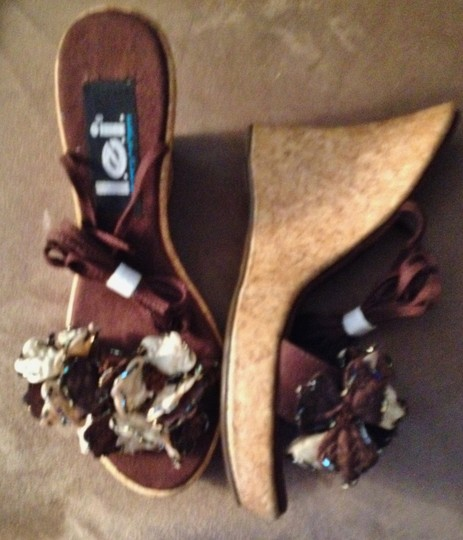 L.E.I. Swann Cork Fabric Beaded Brown Wedges