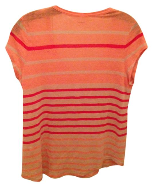 Preload https://img-static.tradesy.com/item/985698/madewell-coral-stripe-vneck-tee-shirt-size-8-m-0-0-650-650.jpg