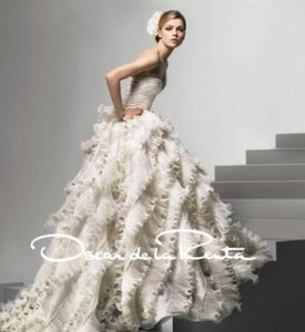 Oscar De La Renta '92e25' Wedding Dress