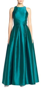 Joanna Chen Pleated Taffeta Sleeveless Ballgown Dress