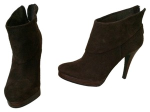 Steve Madden Chocolate Suede Boots