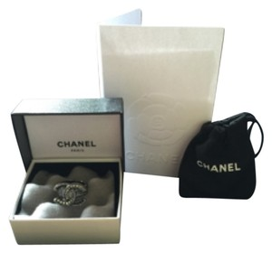 AUTH NIB Chanel CC Gunmetal Gray Crystal Ring, SZ6