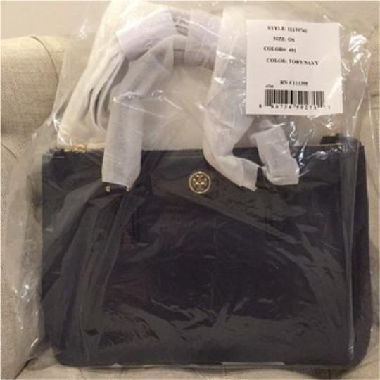 Tory Burch Tote in Tory Navy Image 10