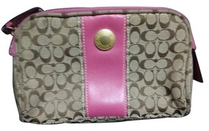 Coach Coach makeup bag designed to fit your purse
