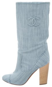 Chanel Denim Interlocking Cc Logo Monogram Round Toe Tall 39 9 New Embroidered Textured Embellished Leather Blue Boots