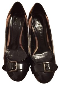 Burberry Black Patent Leather & Nova Check Print Pumps