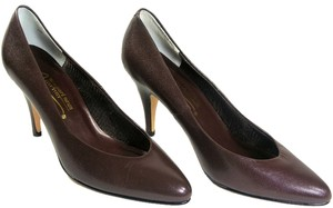 Newport News Heels Brown Pumps