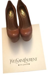 Saint Laurent Cognac Pumps