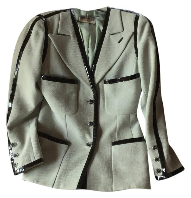 Item - Light Grey/Green Patent Leather Trim Jacket Early 1990s Skirt Suit Size 8 (M)