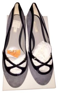 eba58ce97 Nina Ricci gray with black patent trim Flats