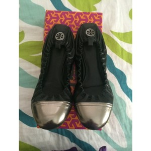 Tory Burch Black with silver captoe Flats