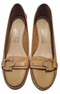 Salvatore Ferragamo natural Pumps