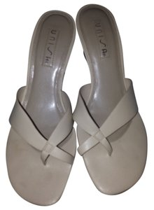 Unisa Pearl white Wedges