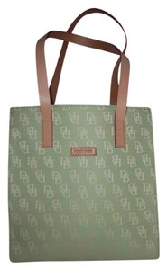 Dooney & Bourke Bright Leather Logo Tote in Green