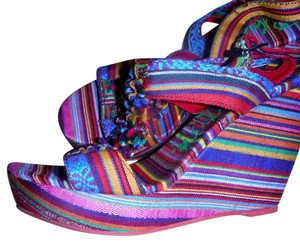 Blowfish Malibu Platform Sandal Multi Color Boho Ethnic Fabric Multi stripe Wedges