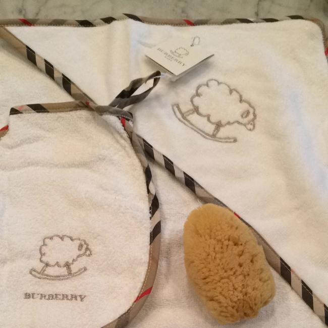 Burberry Burberry Baby Bath Set Image 1