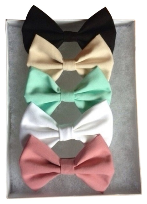 Item - Nude Black Mint Green Pale Pink and White The Seaside Collection 5 Fabric Bows Barrette Clips Hair Accessory