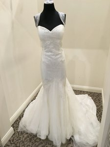 Pronovias Lagara Wedding Dress