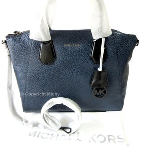 Michael Kors Pebbled Leather Shoulder Strap Crossbody Shoulder 30f5teps3l Satchel in Navy Blue / Black